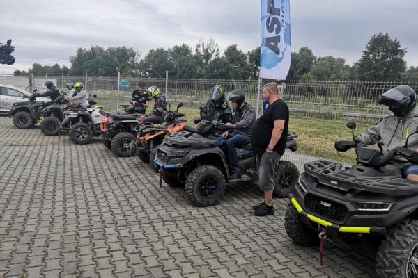 Road Show 2020 / Staříč / LR Auto